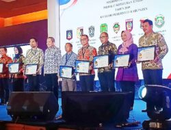 Pemkab Mamuju Terima Penghargaan Kepatuhan Pelayanan Publik Dari Ombudsman RI