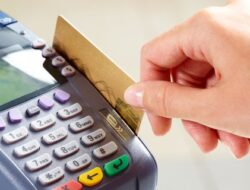 Tolak Jika Kasir Gesek Dua Kali Kartu Debit/Kredit Anda, Ini Bahayanya!