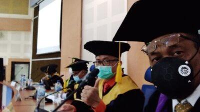 Wakil Rektor III UNM Menguji S3 di PPS UNM