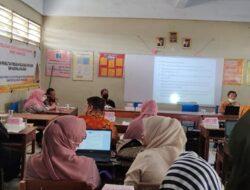 PkM Penelitian Tindakan Kelas Bagi Guru SMK Nasional